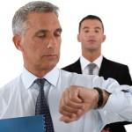 مدیران چند ساعت باید با کارکنان سَر کنند؟