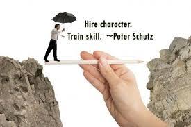 در استخدام طرز فکر مهمتر است یا مهارت + ۲۰ سؤال نگرش سنجی