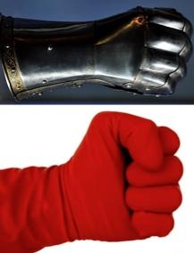 مشت آهنین در دست کش مخملی
