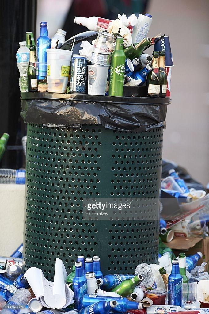 برند کارفرما در سطل زباله!