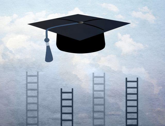 فارغ التحصیلان دانشگاه برتر حقوق بیشتری می گیرند، آیا عملکرد برتری دارند؟