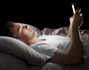 phone-in-bed-8-ways-lose-weight-while-you-sleep